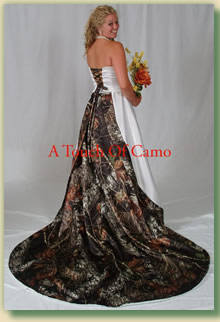 Delightful ... Or A Wedding Dress In Mossy Oak, This Website Is For You. (Warning:  There Is Only One Size 16 All Mossy Oak Gown Left In Stock U2014 Act Now!)