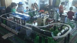 Steve Jackson Shows Off the Texas Brick Railroad (Video)